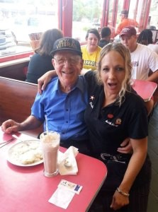 building customer relationships at Huddle House