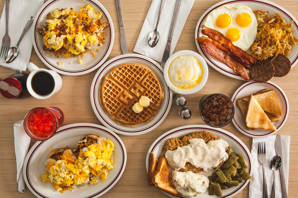 breakfast meals available at Huddle House